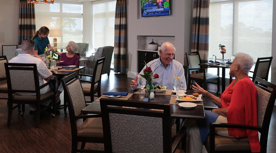 Assisted Living Dining | Moorings Park