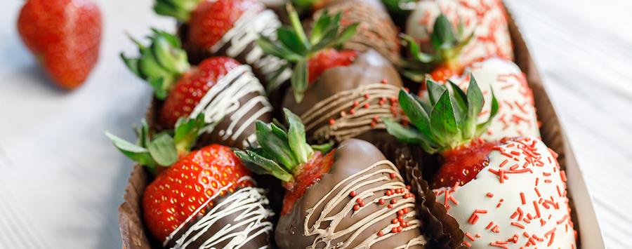 chocolatestrawberries-stockphoto